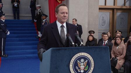 觀賞就職宣誓。第 1 季第 10 集。